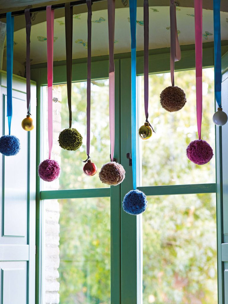 00354318 94bb5490 1501x2000 769x1024 - Ideas to decorate your windows at Christmas