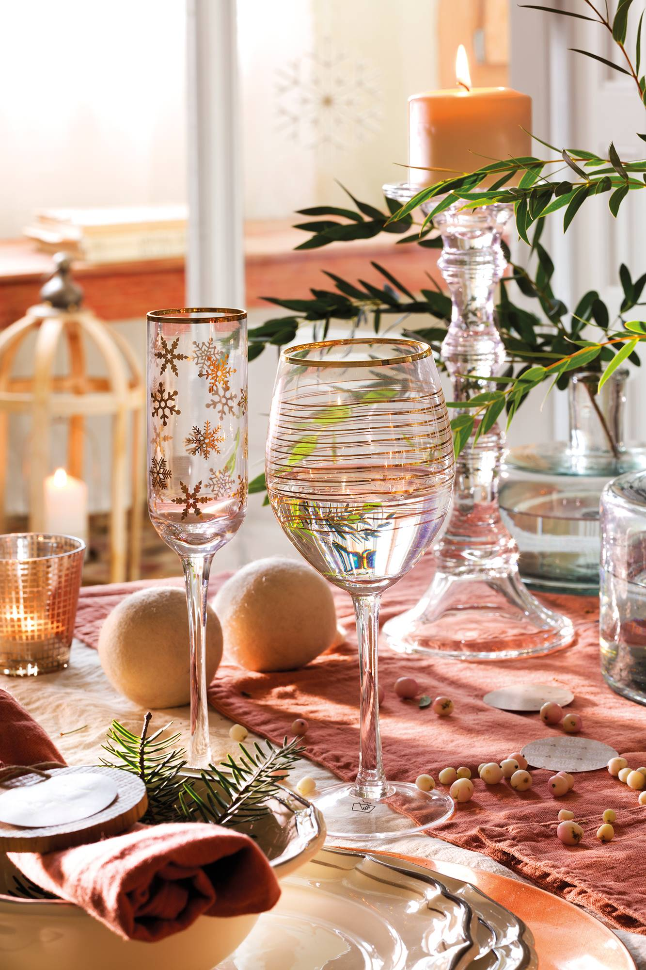 00444853 f6924d22 1333x2000 - Tips to decorate the table at Christmas
