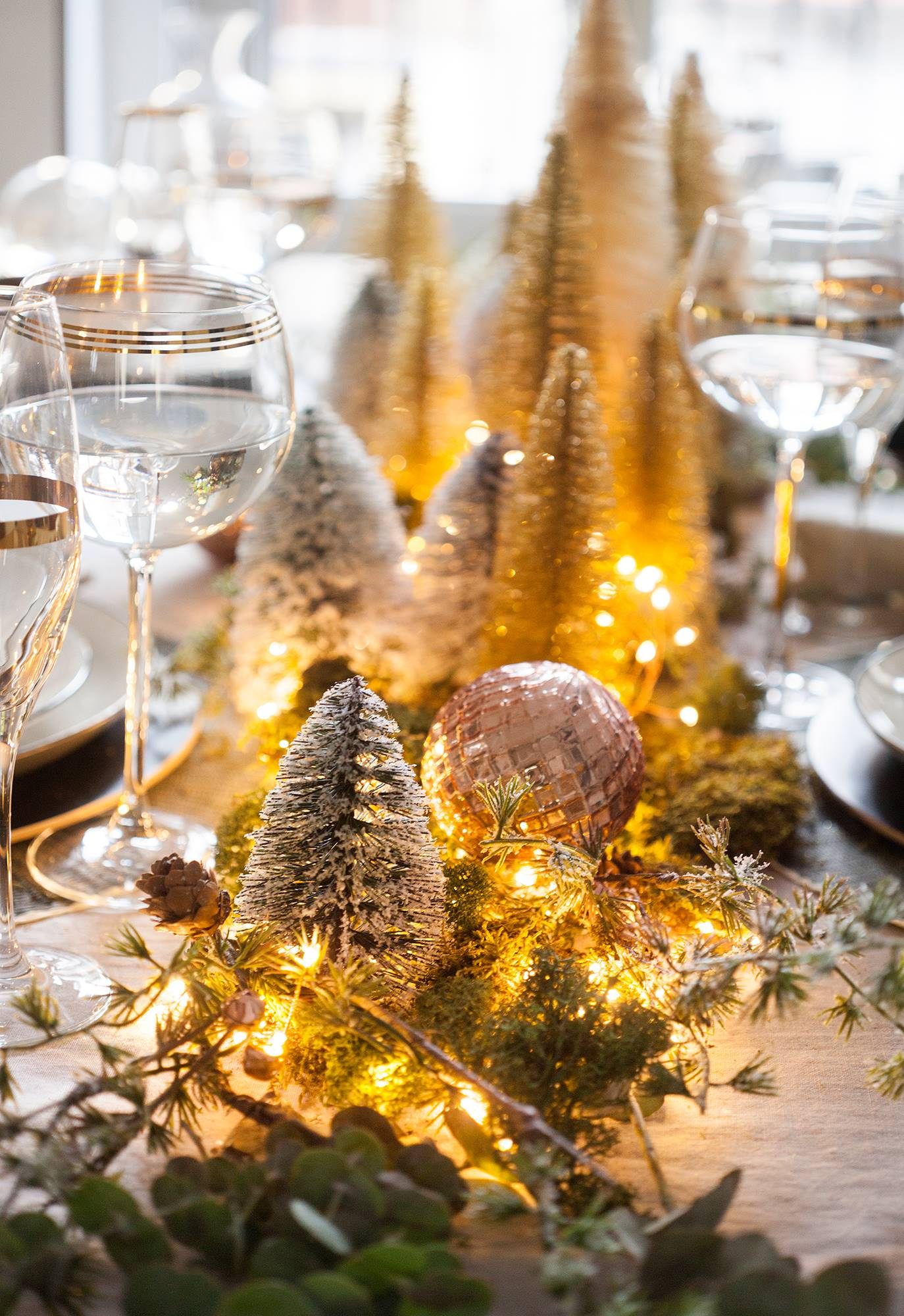 00471004 o 62aaad0f 1374x2000 - Tips to decorate the table at Christmas