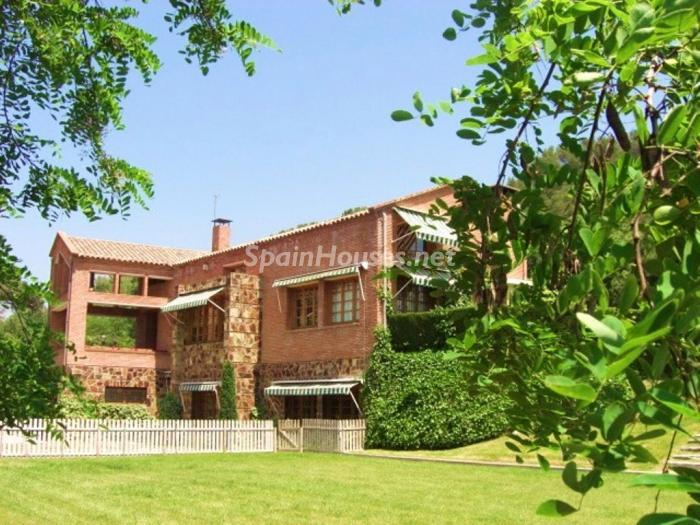 1 House for sale - Large Mountain House For Sale in Caldes de Montbui (Barcelona)