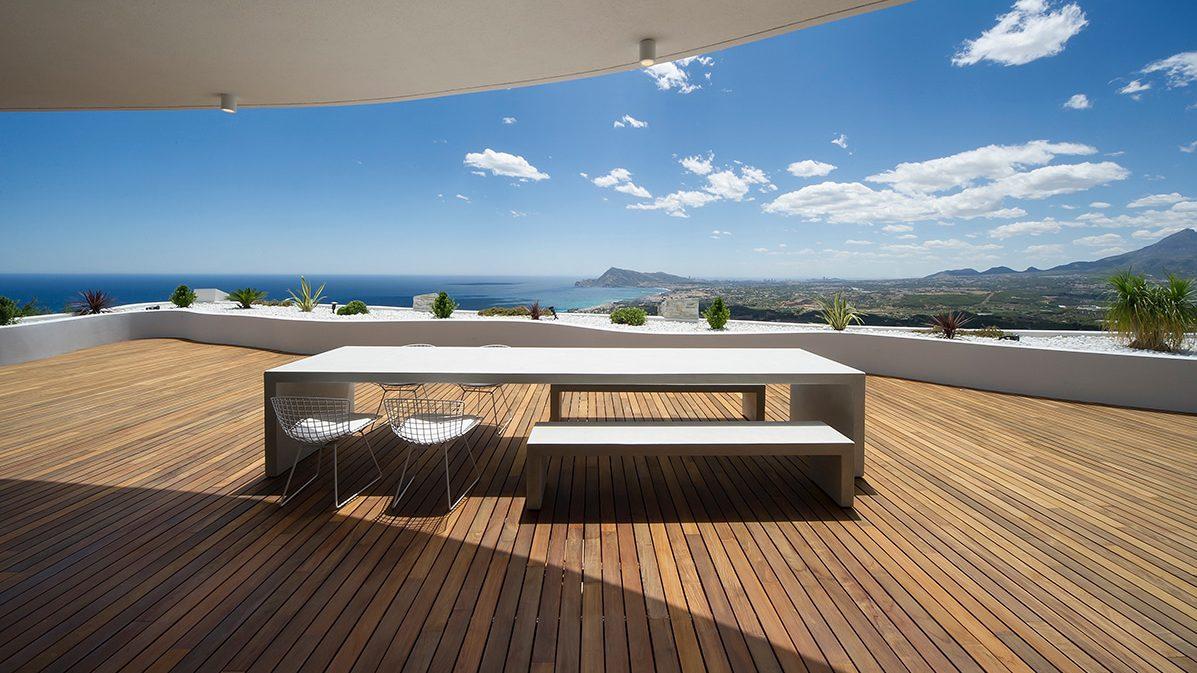 1. Apartment in Alicante by LOFT4C e1499690080783 - Gorgeous Rooftop Apartment in Alicante by LOFT4C