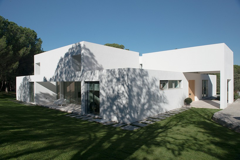 1. Casa Patio - House La Moraleja by Architect Otto Medem, in Madrid