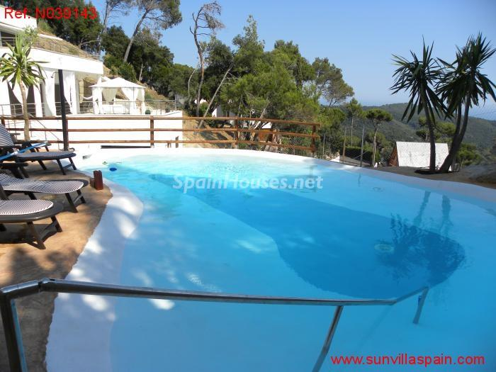 1. Detached house for sale in Sant Cebrià de Vallalta Barcelona - For Sale: Detached House in Sant Cebrià de Vallalta (Barcelona)
