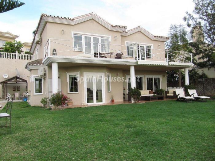 1. Detached villa for sale in Mijas Costa Málaga - Detached Villa for Sale in Mijas Costa (Málaga)