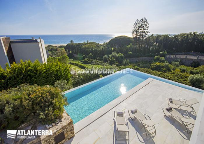 1. Detached villa for sale in Zahara de los Atunes