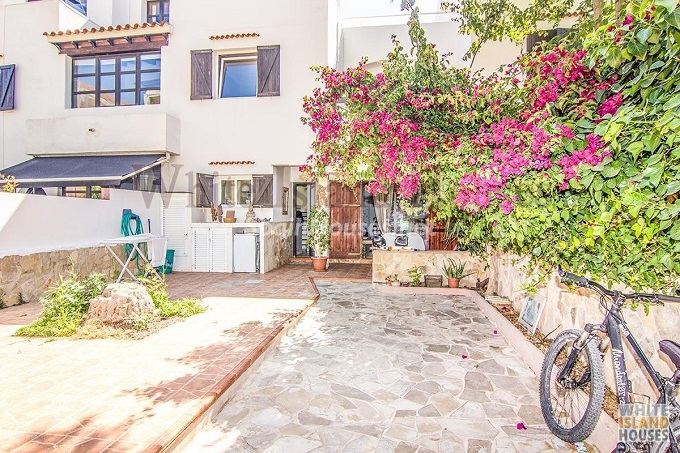 1. Duplex for sale in Sant Josep de sa Talaia Baleares - For Sale: Duplex in Sant Josep de sa Talaia, Ibiza, Balearic Islands