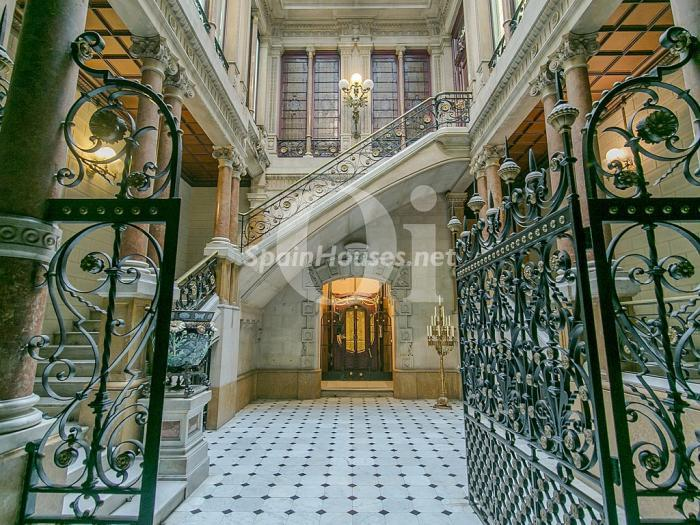 1. Flat for sale in Barcelona - On the market: Super Luxury Home in Barcelona City Centre