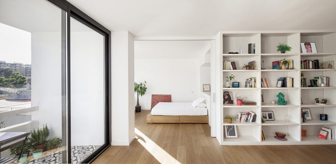 1. Home in Barcelona by Roman Izquierdo Bouldstridge 1 - Apartment Renovation in Barcelona by Roman Izquierdo Bouldstridge