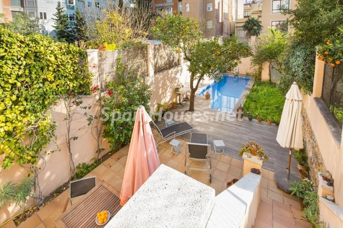 1. Home in Gràcia Barcelona - For Sale: Terraced house in the heart of Barcelona city