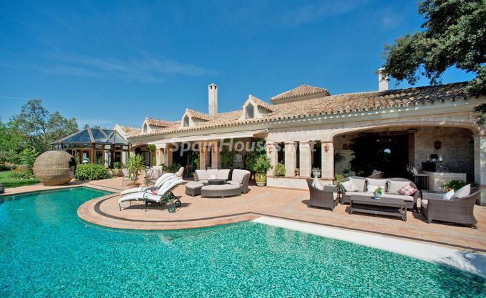 1. House for sale in Benahavís Málaga - For sale: Impressive villa in Benahavís (Málaga), don't miss the pictures!