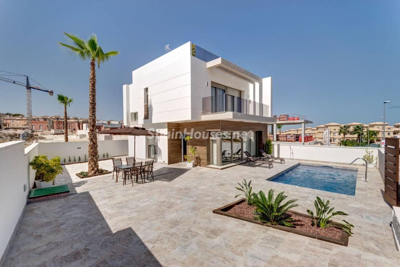 1. House for sale in Orihuela Costa Alicante - Brand New Villa in Orihuela Costa, Alicante