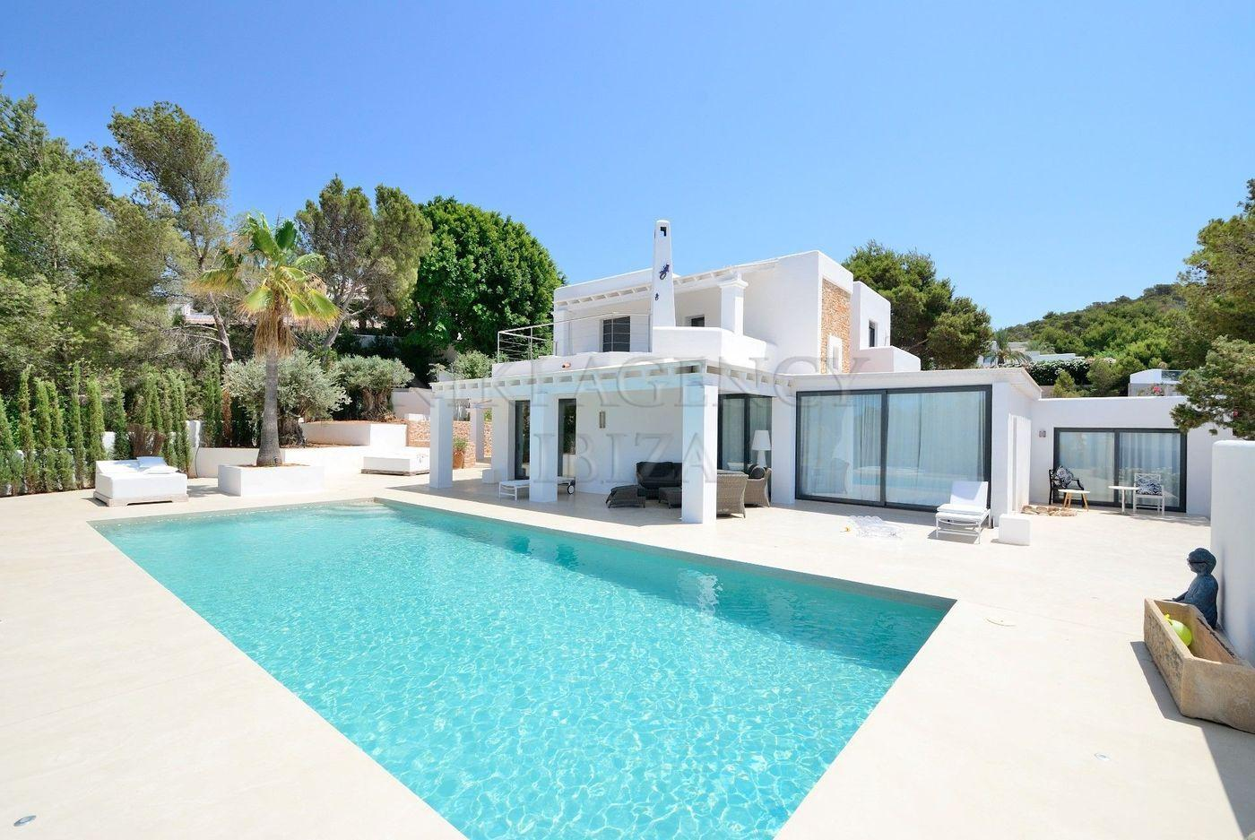 1. House for sale in Sant Josep de sa Talaia Ibiza - Fantastic 4 Bed Villa For Sale in Sant Josep de sa Talaia, Ibiza!