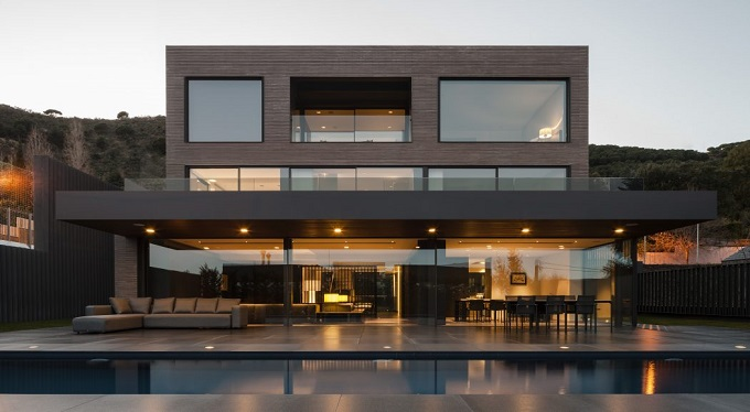 1. House in Barcelona by Francesc Rifé - Contemporary Home in Barcelona by Francesc Rifé Studio