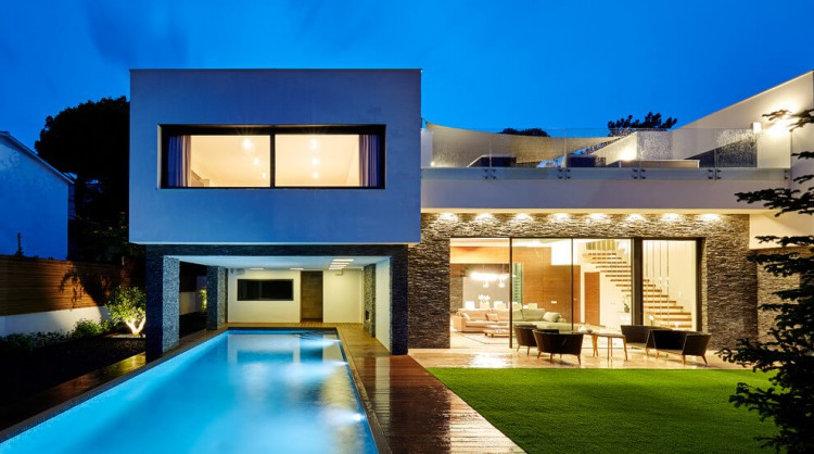 Family House in Blanes, Girona, by Piramide Grup