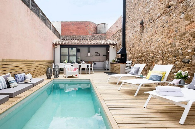 1. House in Girona by Home Deco - Stylish House in Girona designed by Home Deco