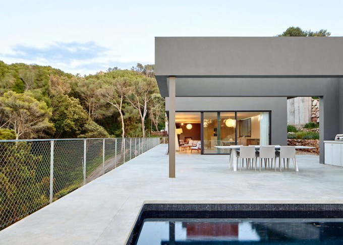 1. Sebbah house by Pepe Gascón - Sebbah House: a Modern Dwelling in Begur by Pepe Gascón