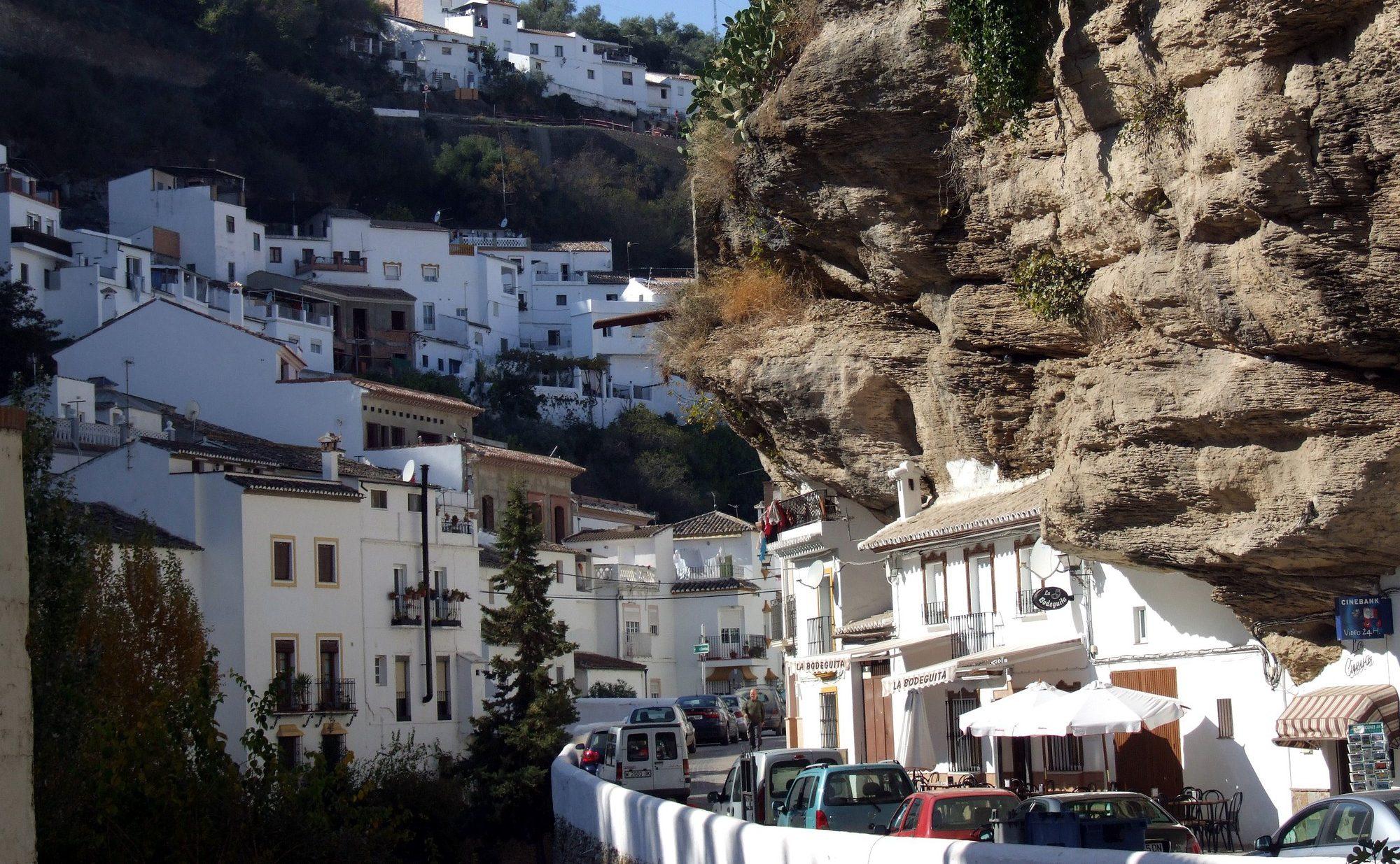 1. Setenil de las Bodegas e1498825574118 - Living Under a Rock: Setenil de las Bodegas, Cádiz