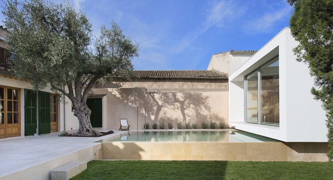 1. Swimming Pool and Studio Joan Miquel Segui & Tono Vila