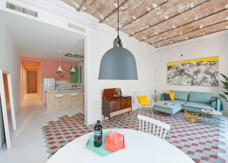1. Tyche Apartment Barcelona1 - Renovated Apartment in Barcelona by CaSA Architecture
