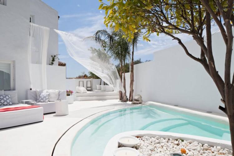 1. Villa Mandarina1 e1439366423389 - Mediterranean Style: Villa Mandarina by Ana Bejar Interiorismo