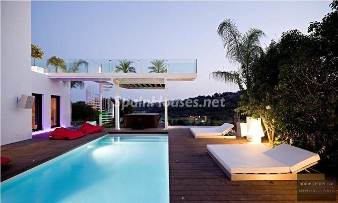 1. Villa for sale in Benahavís - For Sale: Luxury Villa in Benahavís, Costa del Sol, Málaga