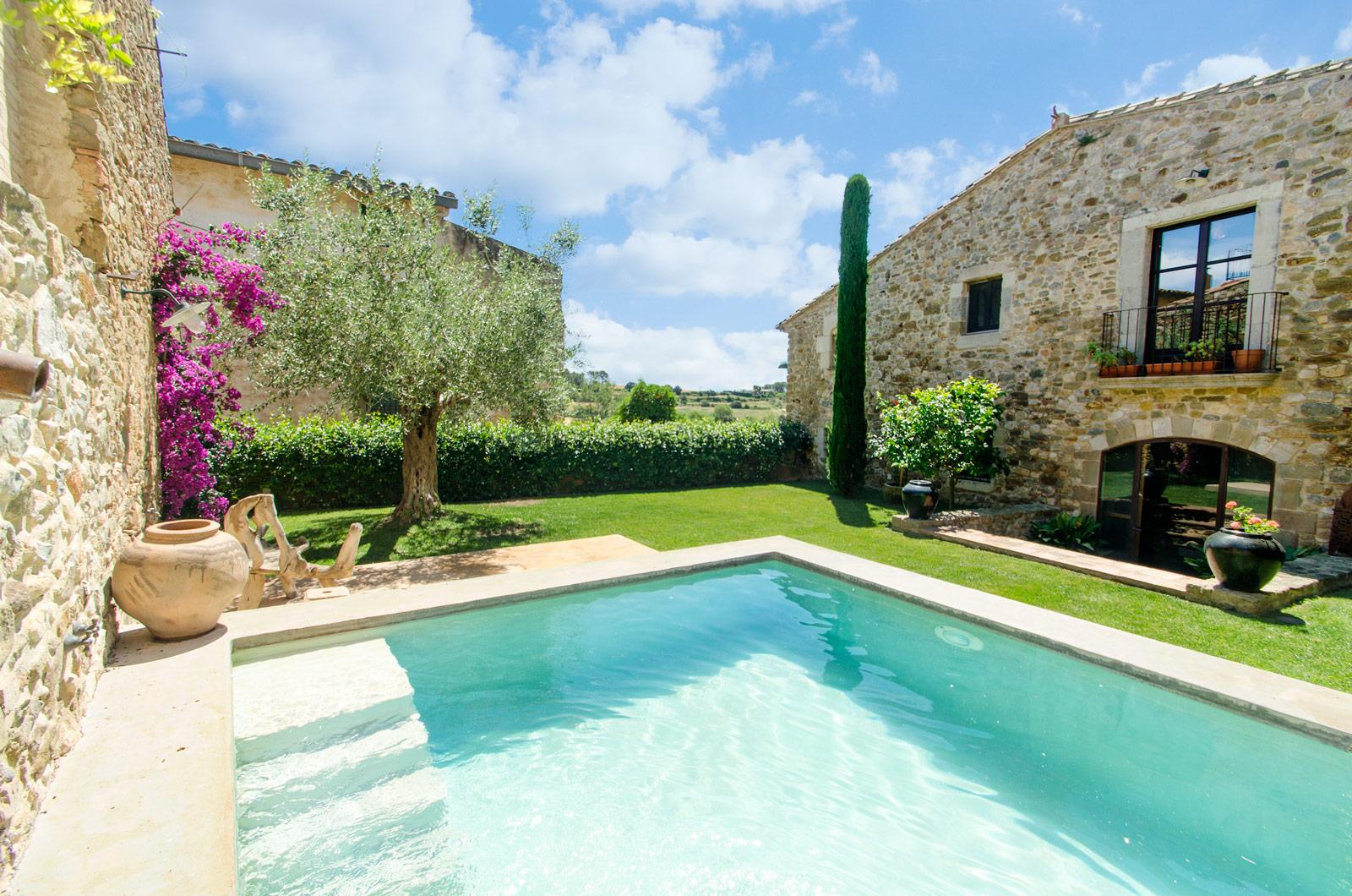 1. Villa for sale in Girona - Traditional Masia, Catalonia country house, for sale in Girona