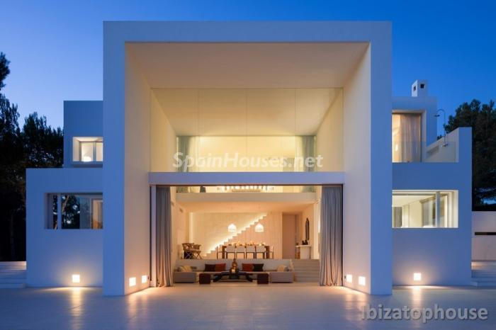 1. Villa for sale in Ibiza (Balearic Islands)