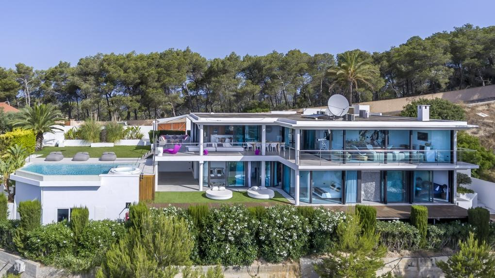 1. Villa for sale in Ibiza - Luxurious contemporary villa for sale in Ibiza, Balearic Islands