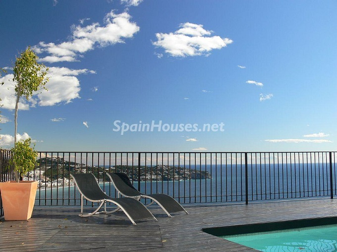 1. Villa for sale in La Herradura, Granada