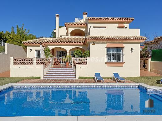 1. Villa for sale in Mijas Costa