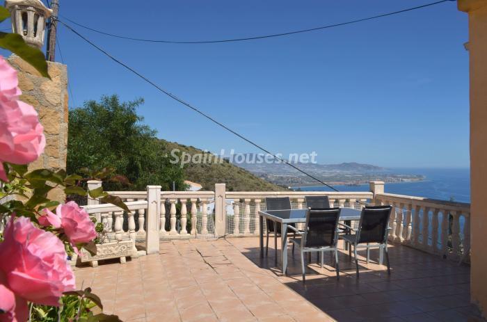 1. Villa for sale in Salobreña - Beautiful Villa with Unbeatable Views for Sale in Salobreña (Granada)