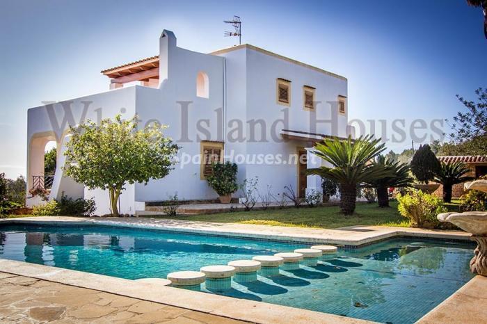 1. Villa for sale in Santa Eulalia del Río - Beautiful Villa for Sale in Santa Eulalia del Río (Baleares)