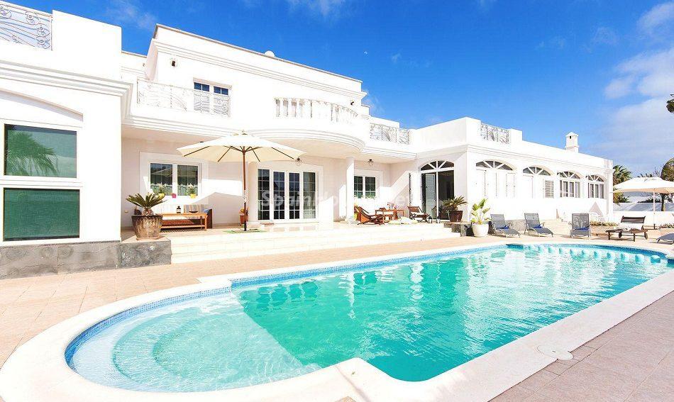 1. Villa for sale in Teguise Lanzarote e1494579888463 - Dream House for Sale in Teguise, Lanzarote, Canary Islands