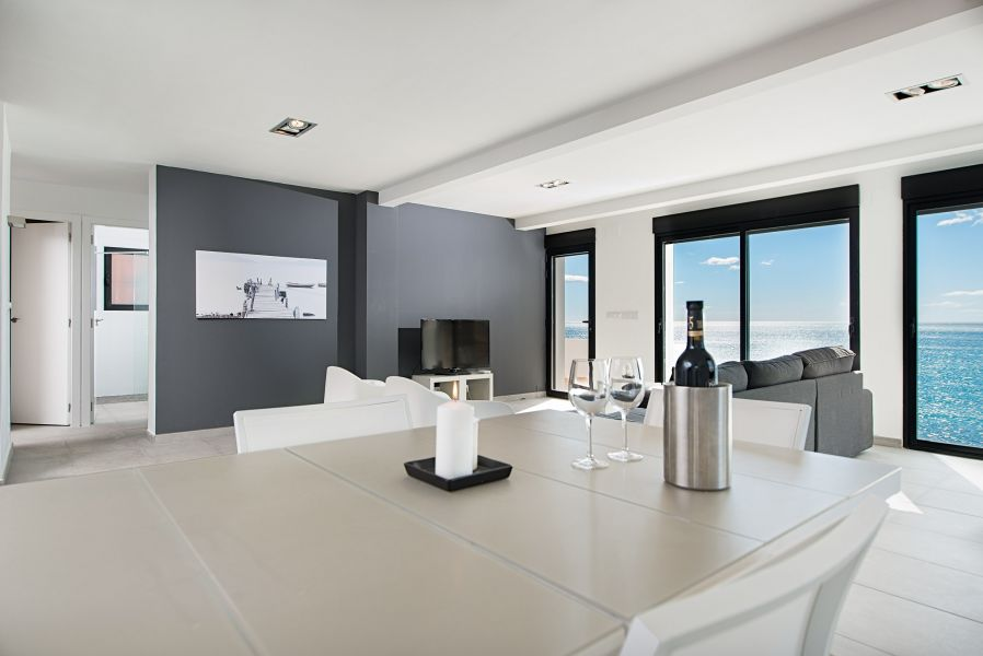10 10 - Imagine living in this house with direct access to the beach on the Costa Blanca