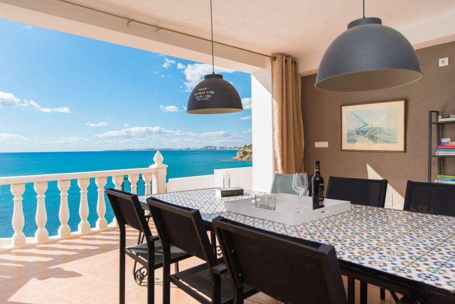10 2 - Imagine living in this house with direct access to the beach on the Costa Blanca