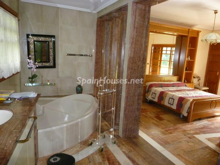10 House for sale - Large Mountain House For Sale in Caldes de Montbui (Barcelona)