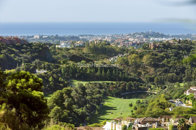 10-apartment-for-sale-in-benahavis-malaga
