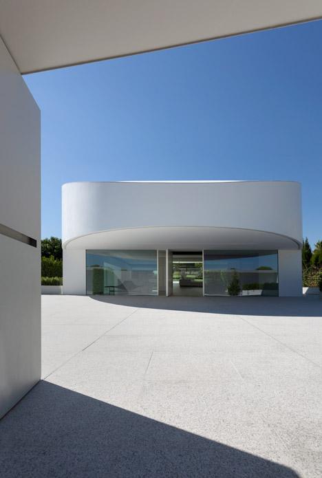 10. Balint House - Balint House by Fran Silvestre Arquitectos in Bétera (Valencia)