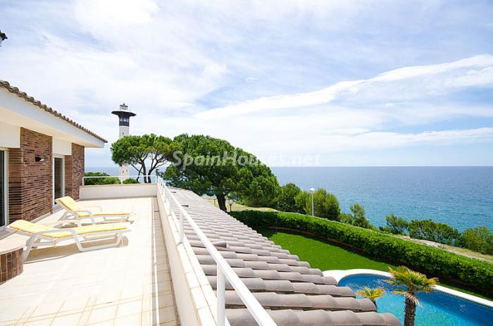 10. Detached house for sale in Torredembarra Tarragona - For Sale: Super Beach House in Torredembarra, Tarragona