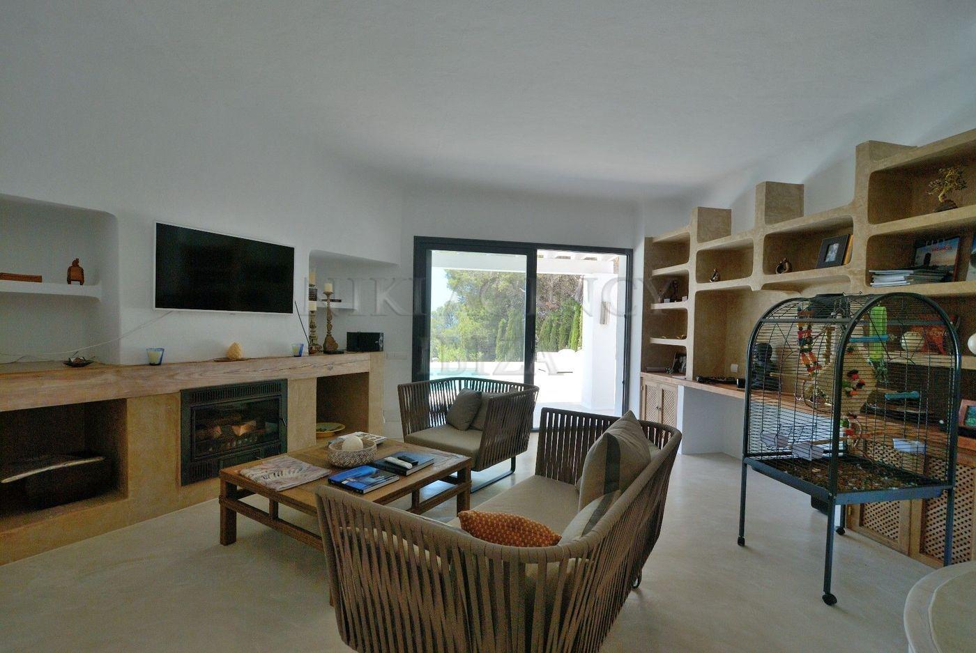 10. House for sale in Sant Josep de sa Talaia Ibiza - Fantastic 4 Bed Villa For Sale in Sant Josep de sa Talaia, Ibiza!