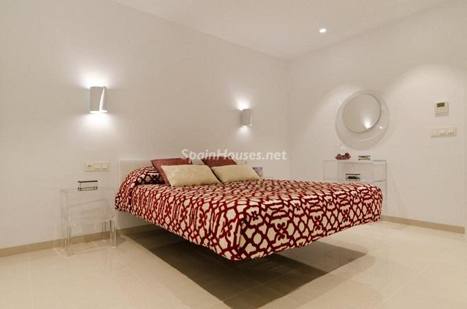 10. House for sale in Santa Pola (Alicante)