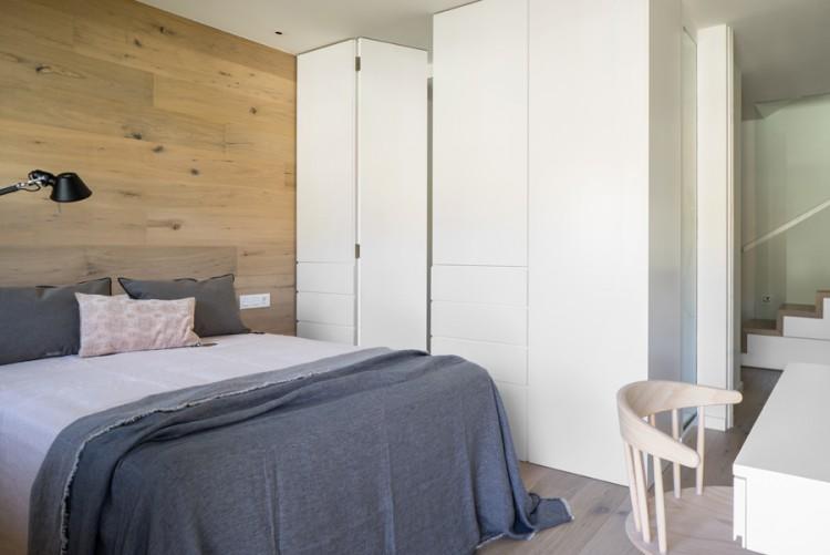 10. House in Barcelona by Susanna Cots e1448441147656 - Maison de Vacances, Barcelona, by Susanna Cots Interior Design
