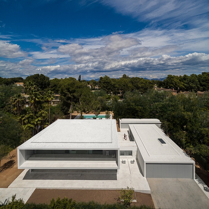 10. House in Paterna by Fran Silvestre Arquitectos - Ultramodern House in Paterna, Valencia, by Fran Silvestre Arquitectos