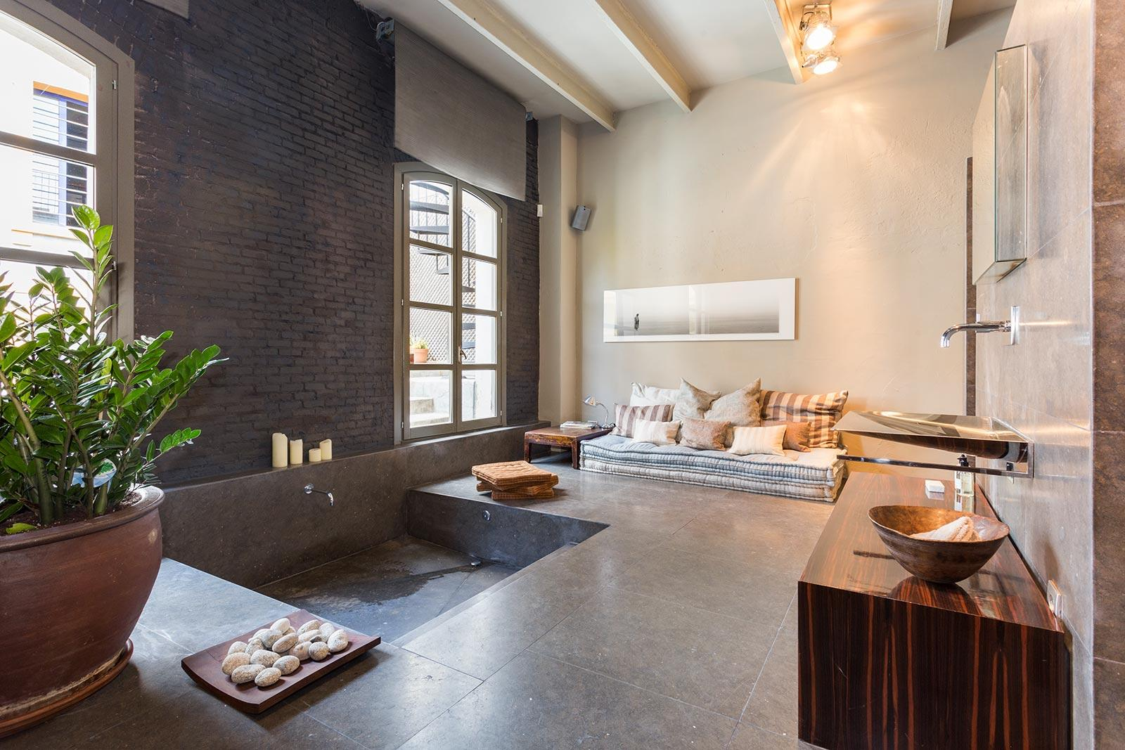 10. Stylish apartment for sale in Barcelona city - Step Inside A One-Of-A-Kind Barcelona Apartment