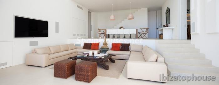 10. Villa for sale in Ibiza Balearic Islands - For Sale: Stunning Villa in Ibiza, Balearic Islands