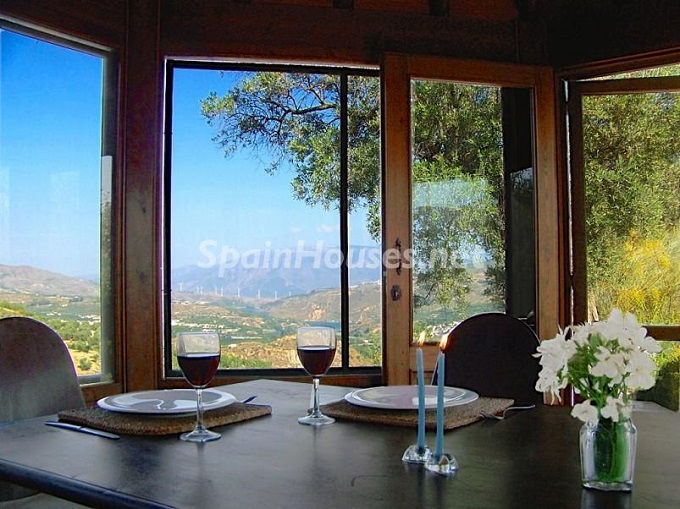 10. Villa for sale in Lecrín (Granada)