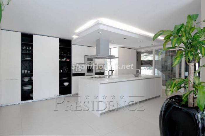 1014268 4343018 14 - Outstanding Villa for Sale in Madrid