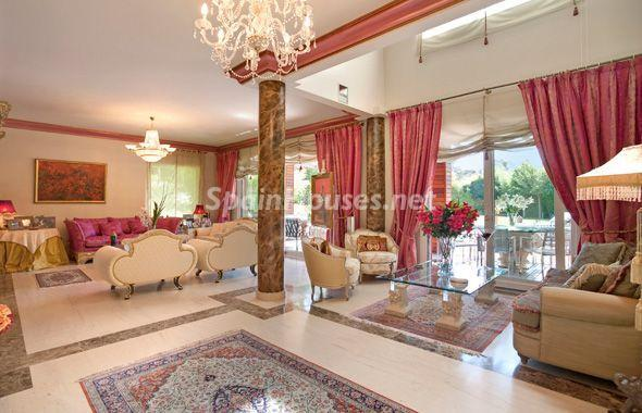 1014301 4343018 28 - House of the week: Amazing Villa for Rent in Madrid
