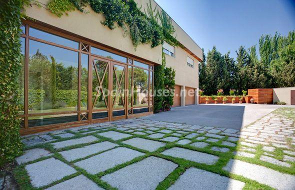 1014301 4343018 3 - House of the week: Amazing Villa for Rent in Madrid