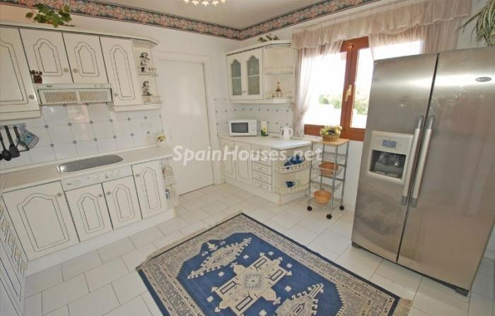 1025 - Large Detached House for Sale in Benalmadena, Costa del Sol